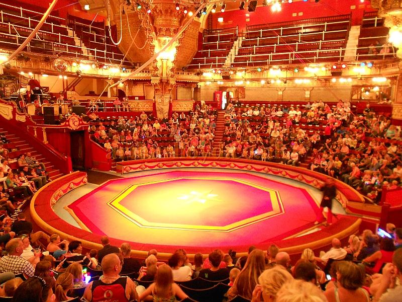 Audience clipart circus. The tower blackpool clip