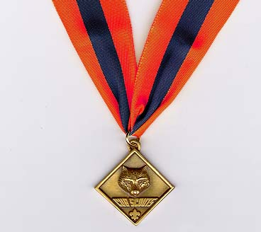 Award clipart medallion. Cub scouter insignia clip