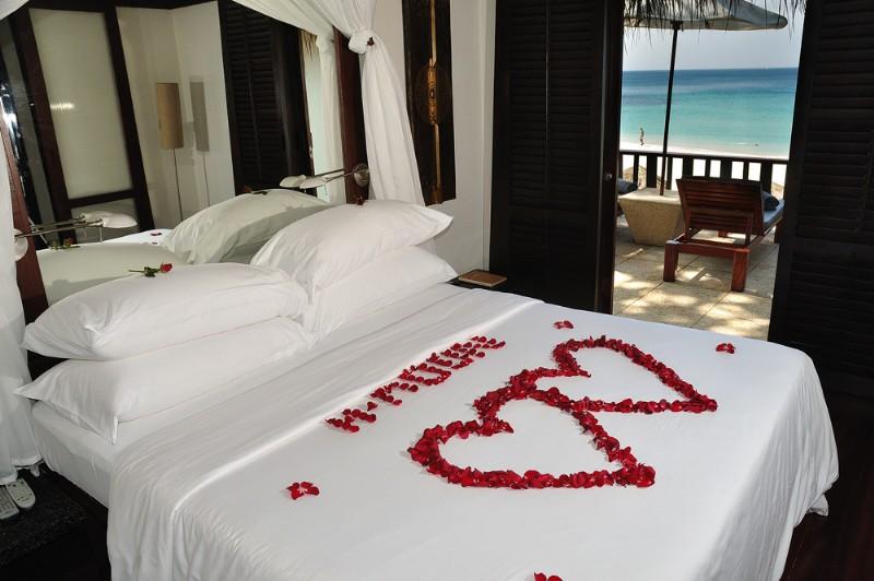 Romantic bedrooms for inspirations. Bed clipart honeymoon