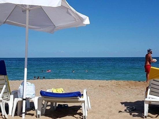 Bech la fromthesix . Bench clipart beach