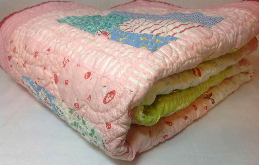 Blanket clipart folded quilt.