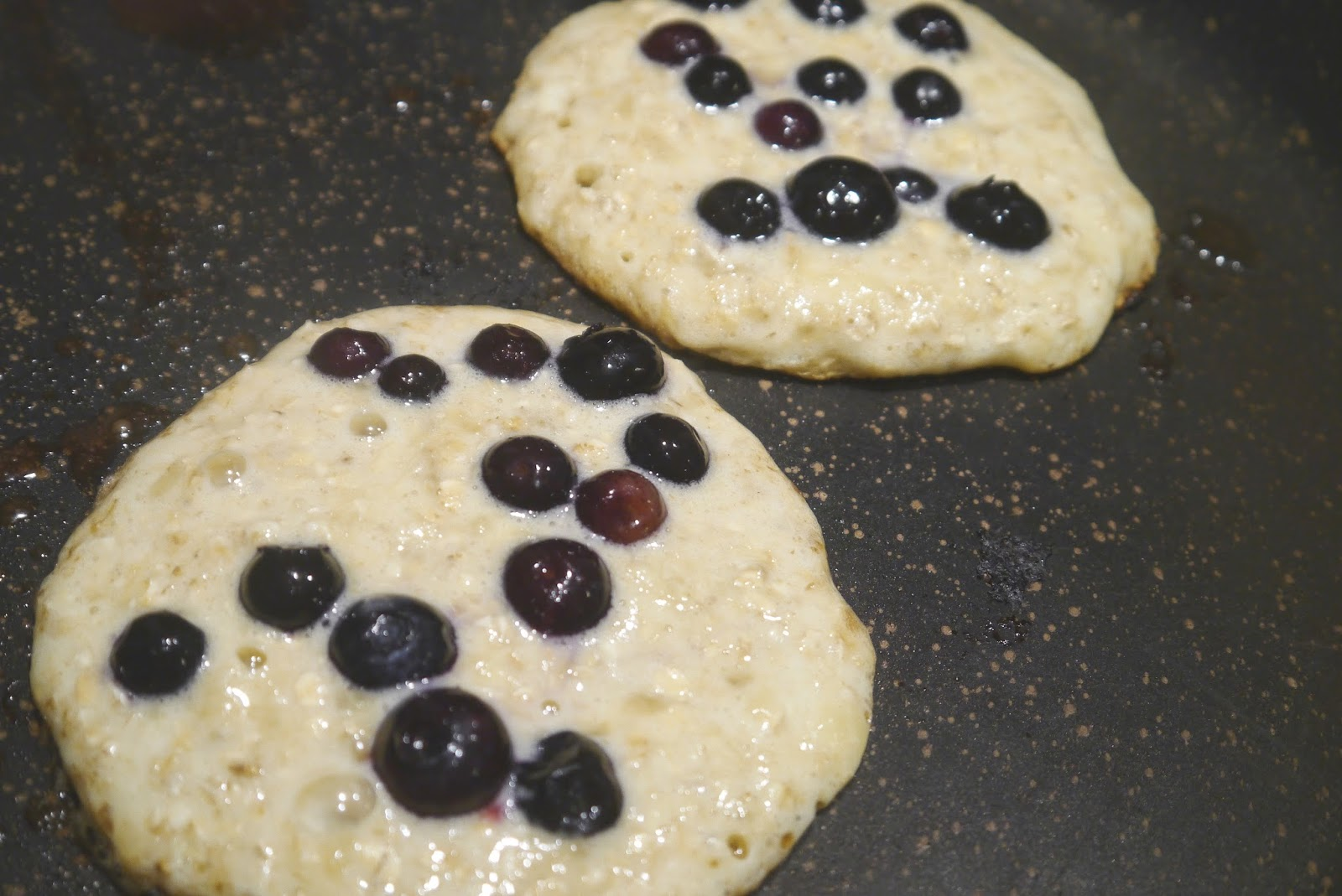 Oat banana and pancakes. Blueberry clipart blueberry pancake
