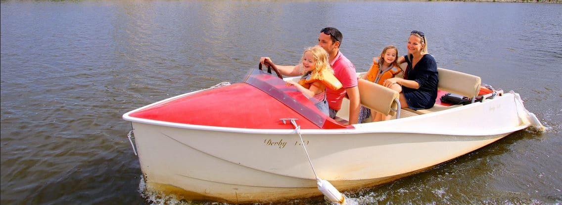 Boating clipart water activity. Activities and leisure chambord