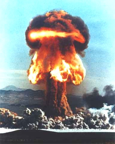 Bomb clipart fire. File nuclear explosion large