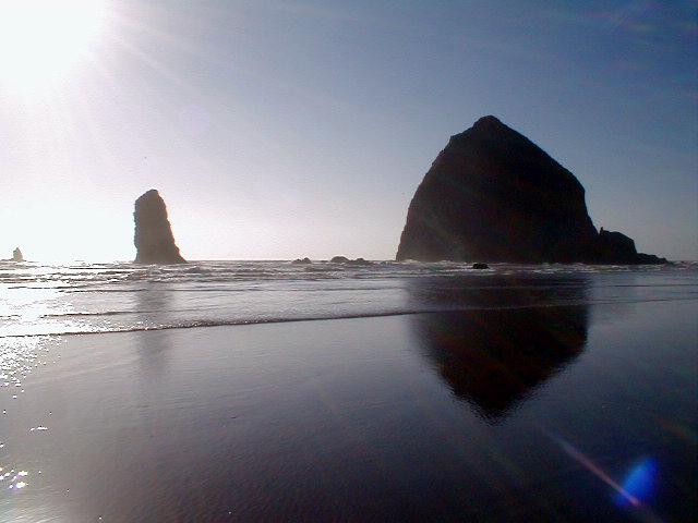 Boulder clipart beach rock. Haystack wikipedia