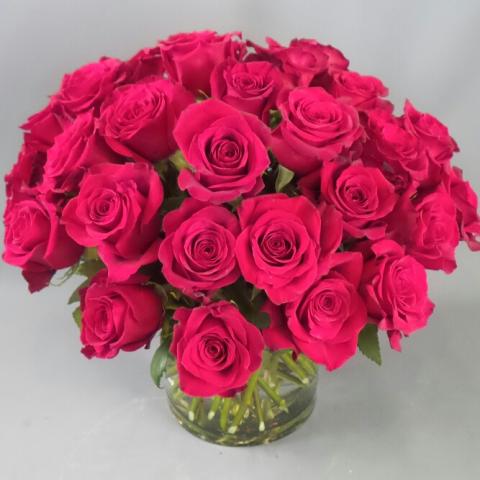 Bouquet clipart dozen rose. Three roses bouquets