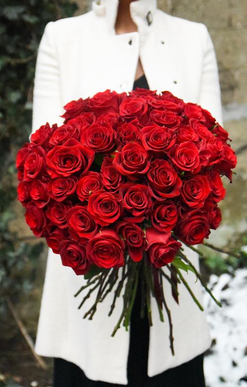Five rosehip social. Bouquet clipart dozen rose