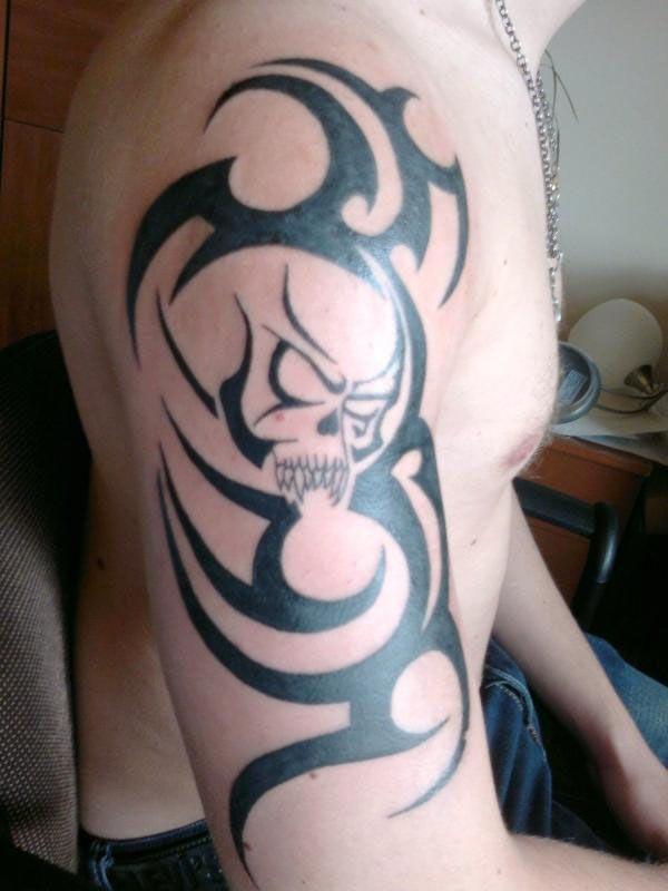 Tatouage tribal bras t. Bra clipart forearm