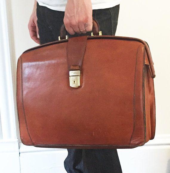 Briefcase clipart lawyer briefcase.  best s case
