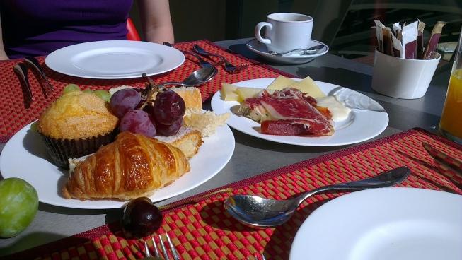 Home graceful inn rooms. Brunch clipart breakfast continental