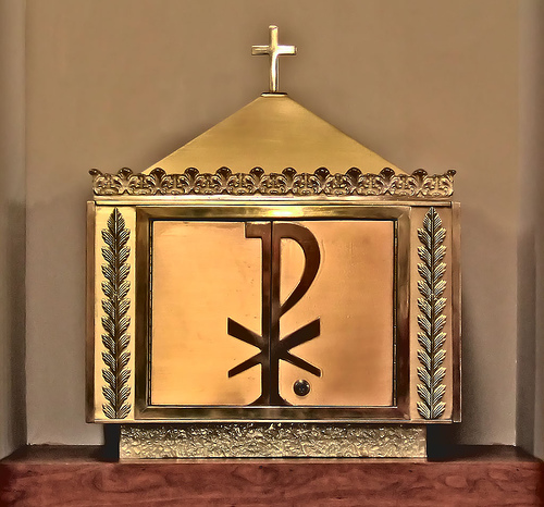 Catholic clipart tabernacle. Quia what we see