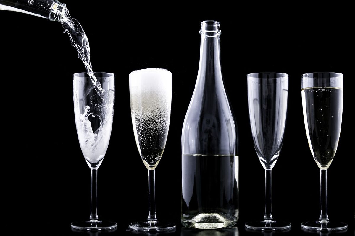 Champaign clipart sparkling champagne.  things you should