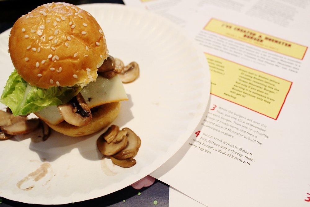Cheeseburger clipart mini burger. I ve created a