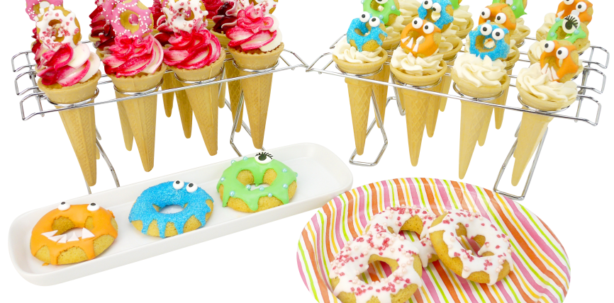 Cone cupcakes with baked. Clipart cake funky