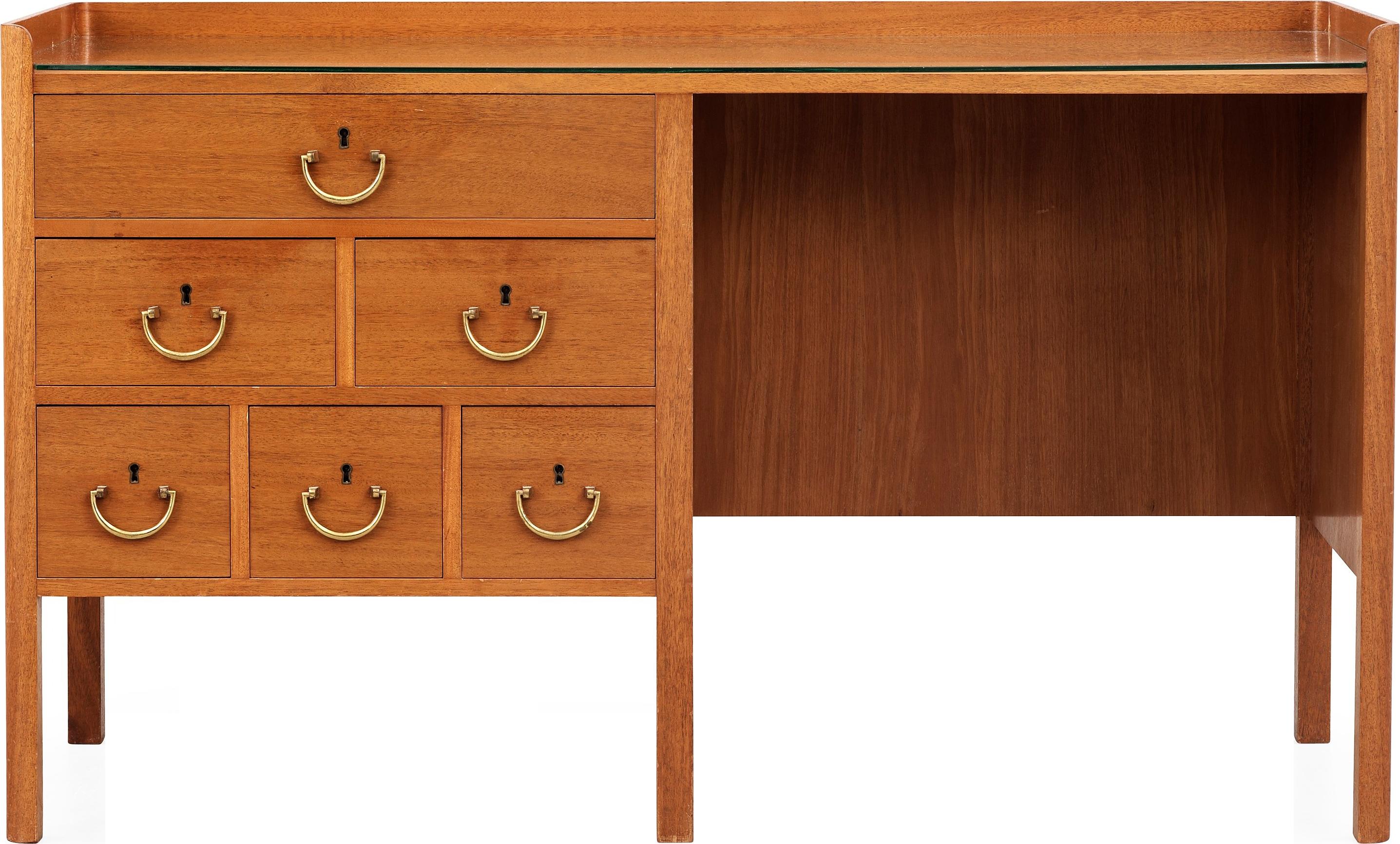 Desk clipart wood desk. Wooden table png image