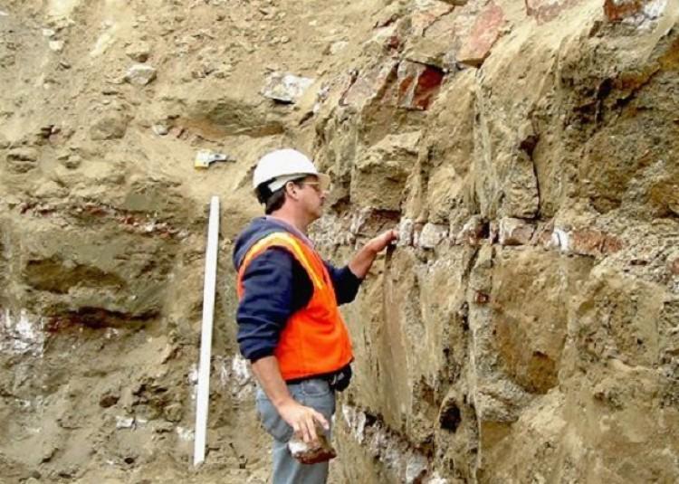 Geólogo. D a del ge