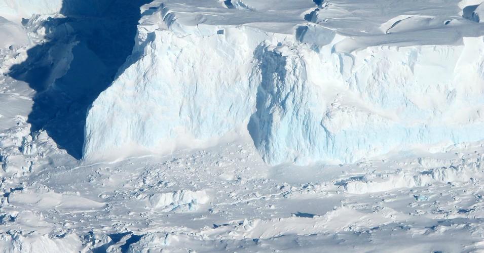 Glacier clipart single mountain. Circle png vector psd