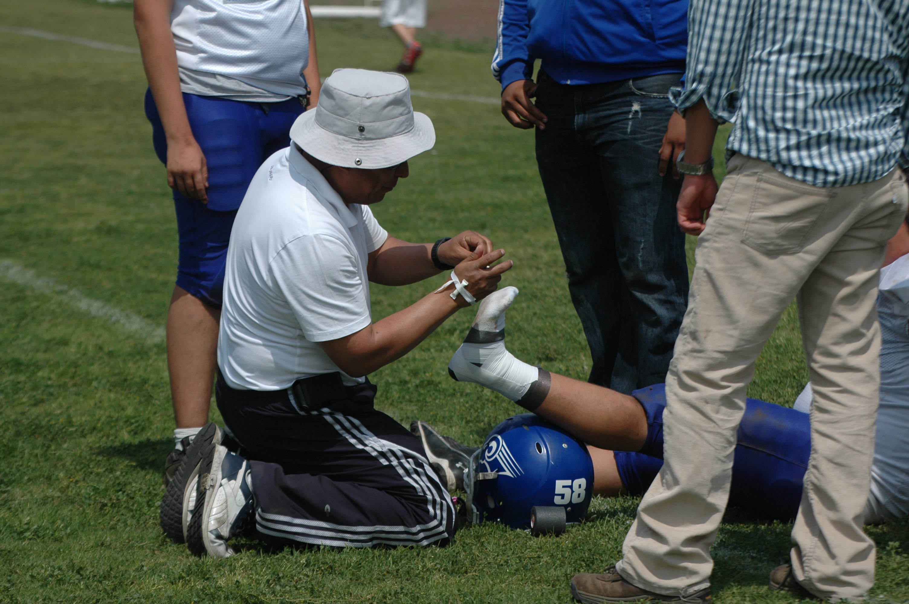 Sports injury wikipedia . Hurt clipart injured athlete