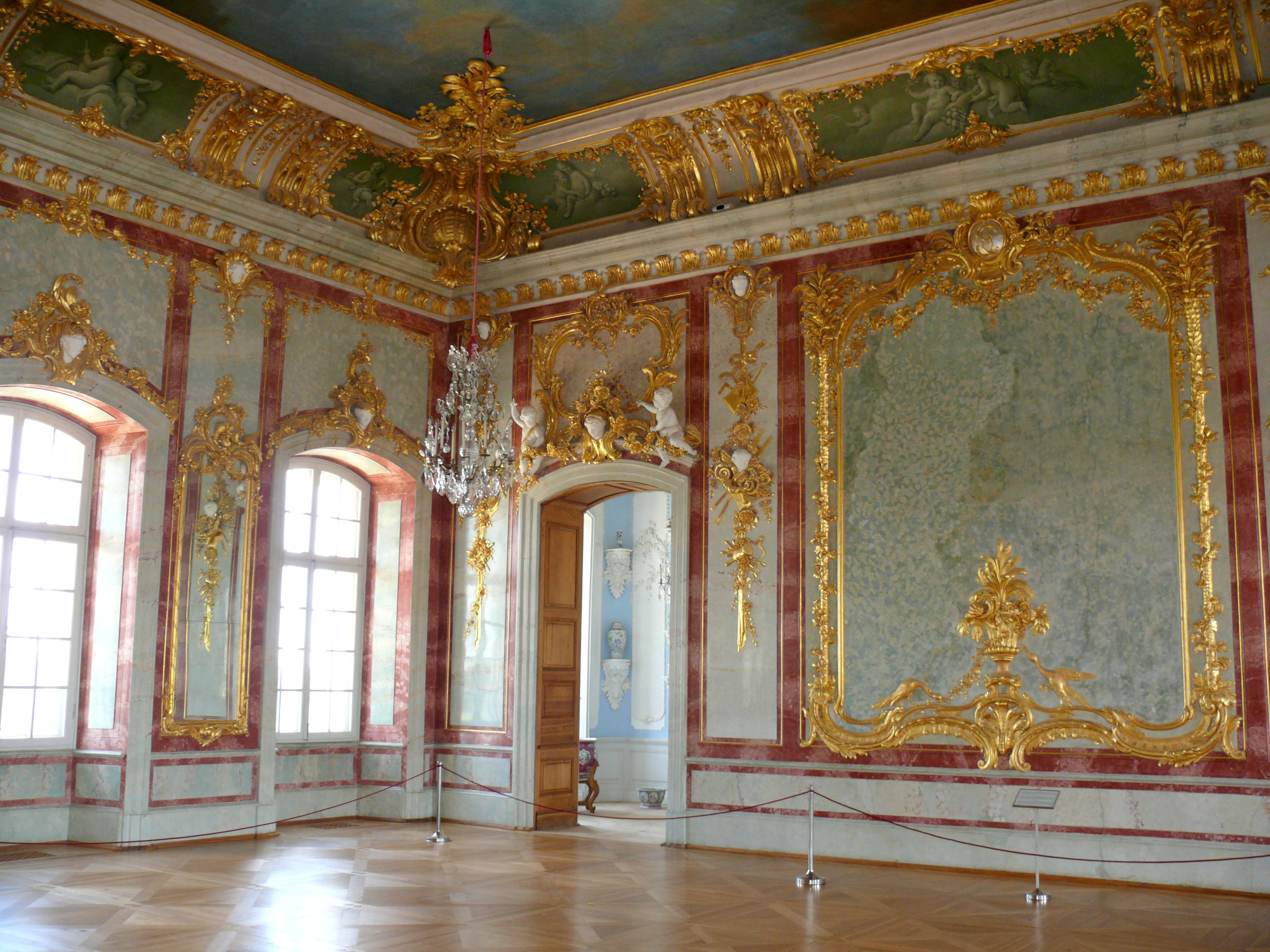 Palace clipart palace room. Rund le the hidden