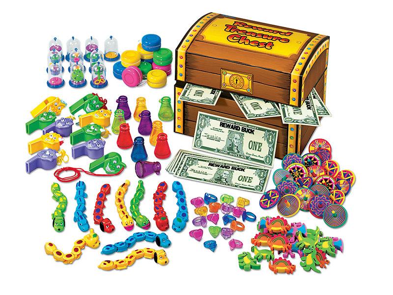 Reward chest . Treasure clipart prize box