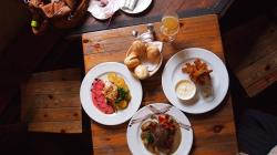 Restaurant Images & Restaurant Stock Photos · Pexels · Free Stock Photos